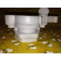 "Plastic 1 1/2"" Honey Gate"